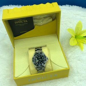 Invicta • Disney Limited Edition Donald Duck Watch
